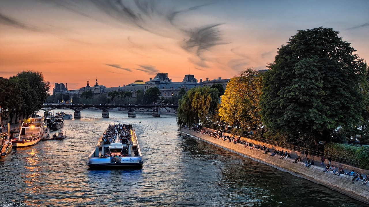 Focus sur les péniches de Paris, à louer pour vos événements